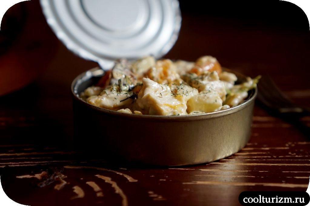 салат из огурцов с куриной грудкой