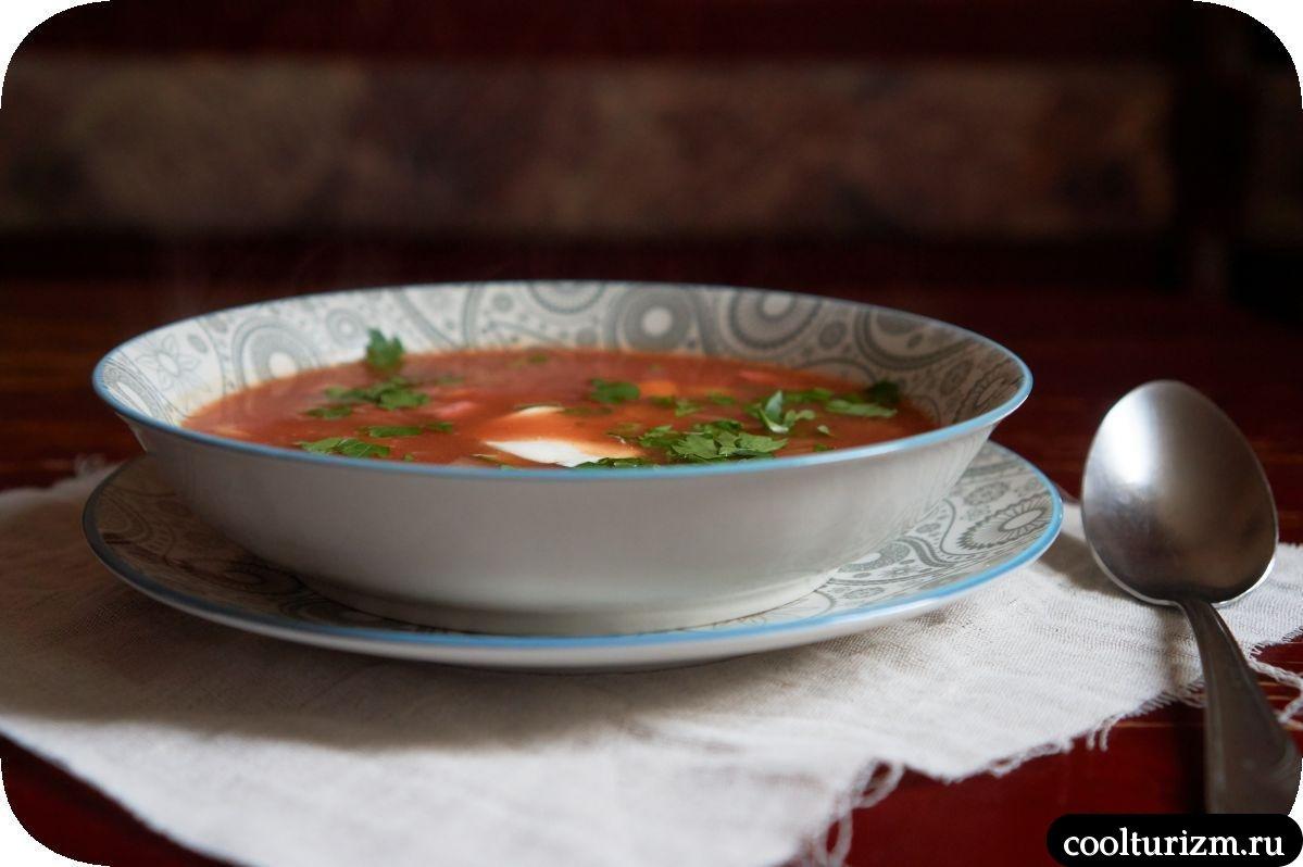 суп с сардельками и фасолью