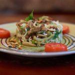 Теплый салат с шампиньонами и фасолью