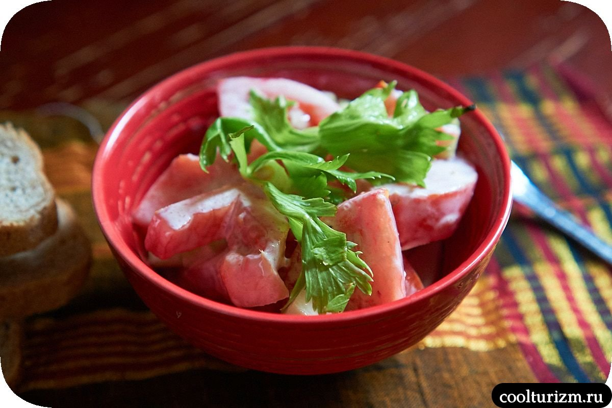 салат из помидор со сметаной