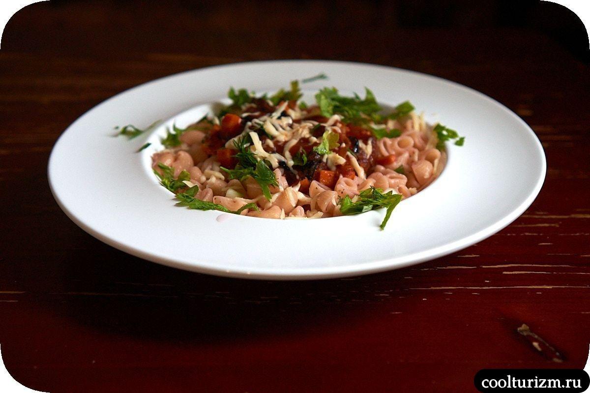 томатный соус с черносливом