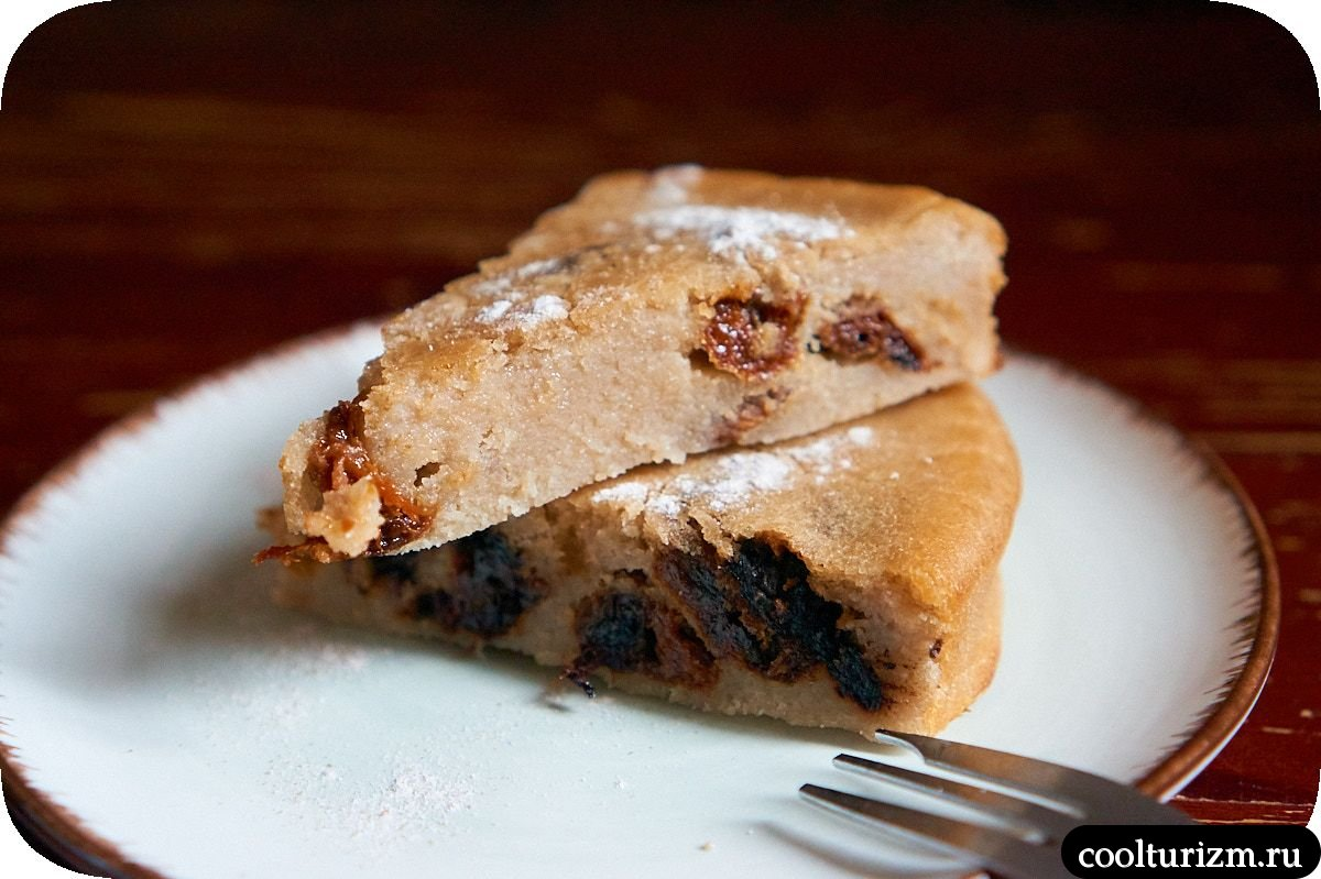 Пирог из рисовой муки с курагой