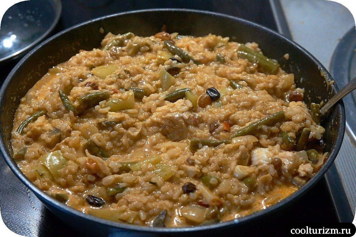 рис со щечками трески и овощами