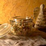 Салат из свежих огурцов и колбасы
