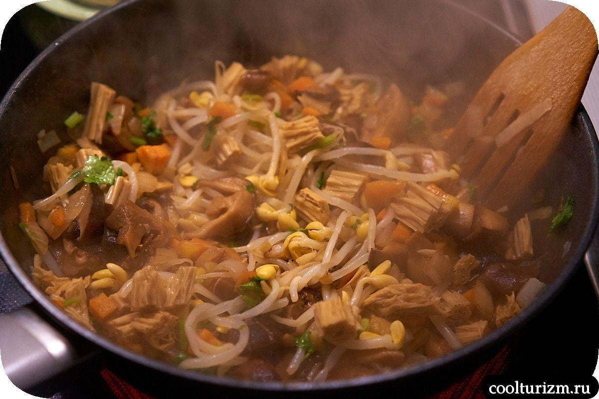шиитаке с соевой спаржей и рисом