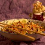 Ростки соевых бобов и соевая спаржа в салате
