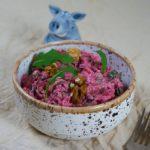 Салат со свеклой, черносливом и орехами