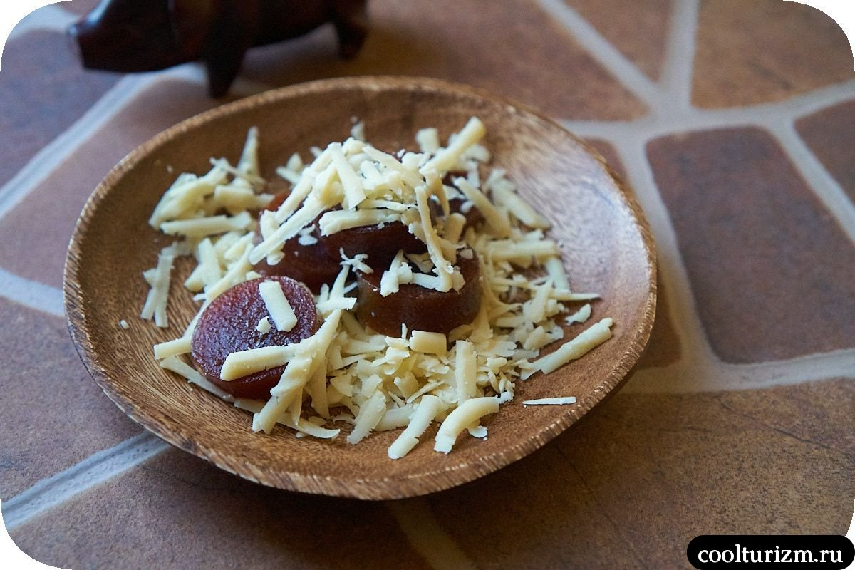 Кубинский десерт из гуавы с сыром