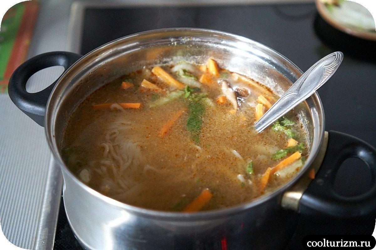 суп с лапшой рамен домашний