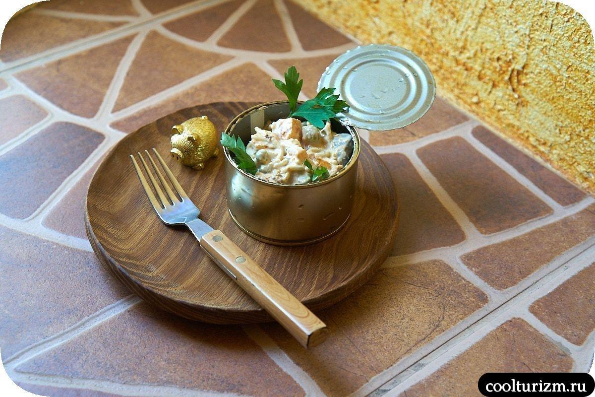 вкусный салат с печенью и вермишелью