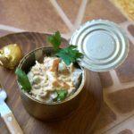 Салат с печенью и вермишелью