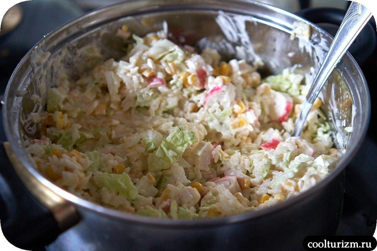 как приготовить ссалат с кальмарами и крабовыми палочками