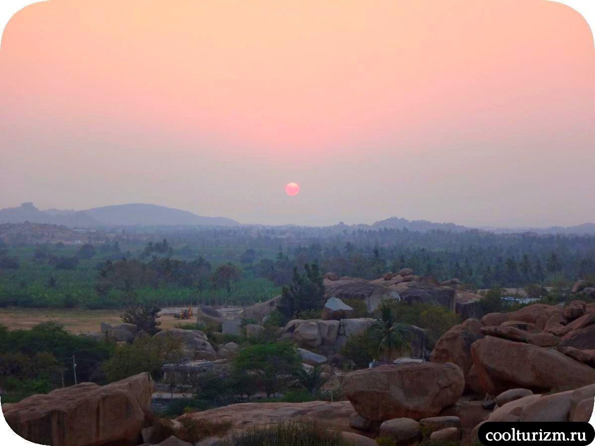 закат и медитация на холме Хемакута