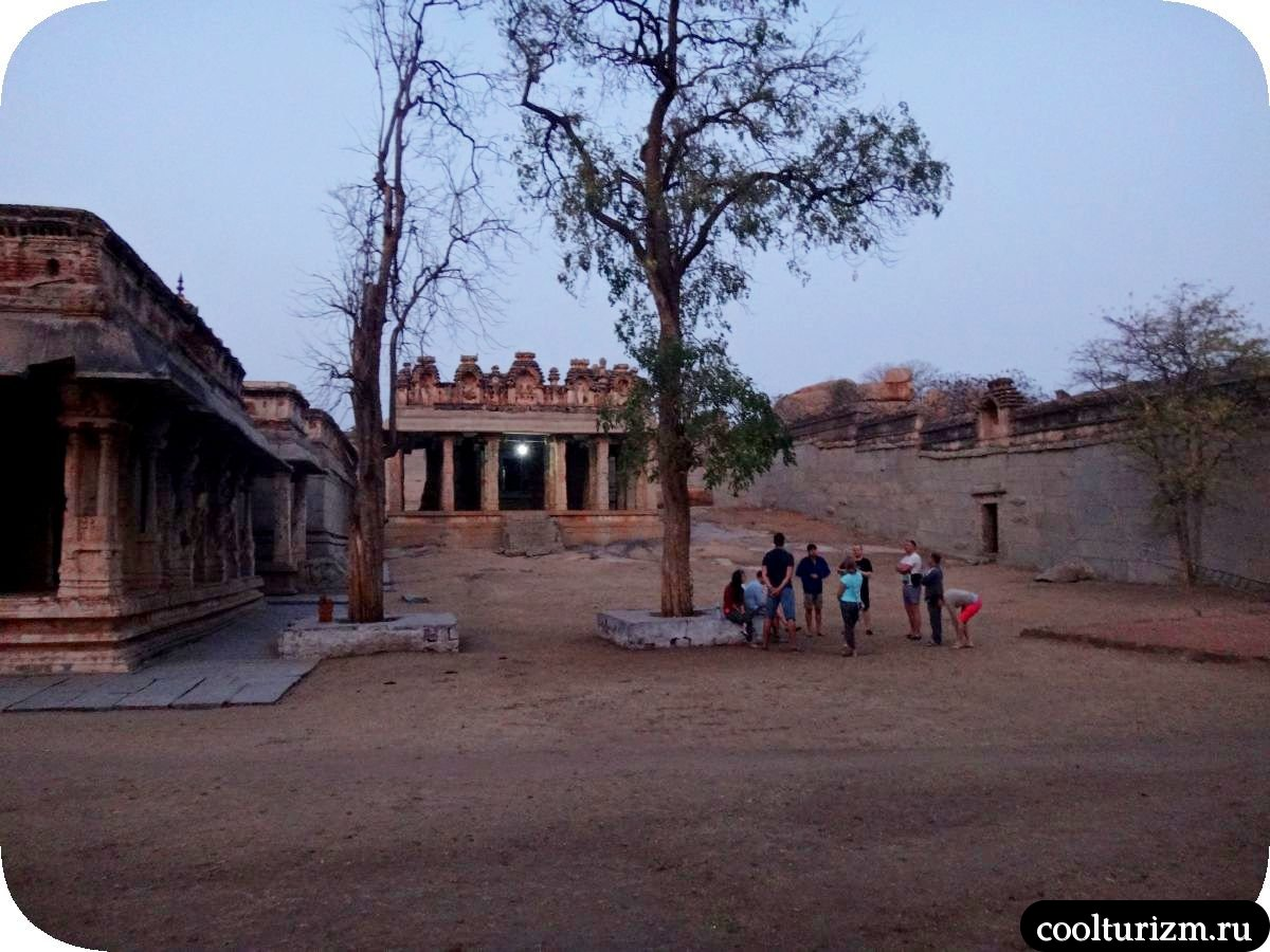 Хампи Маляаванта Рагуната храм Рама