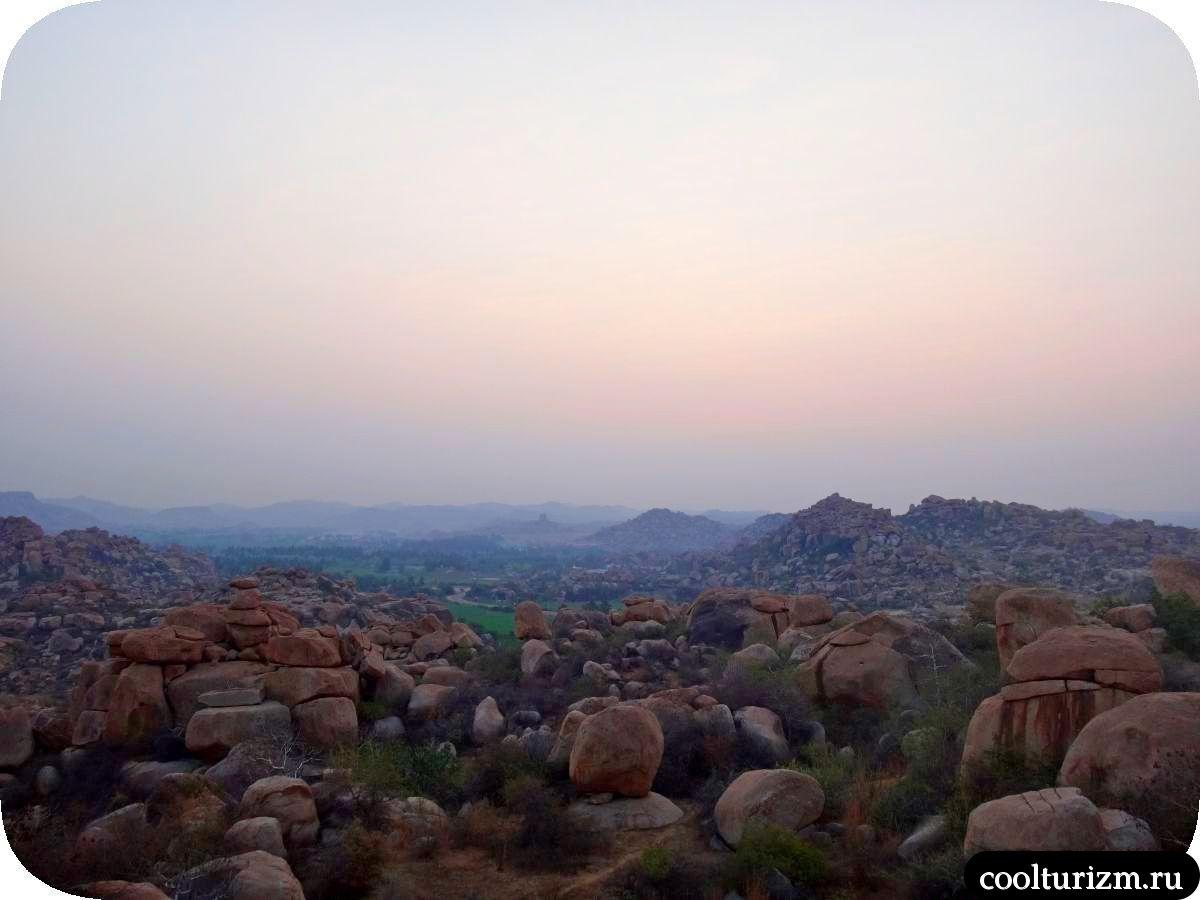 рассвет на холме Малйаванта в Хампи Индия