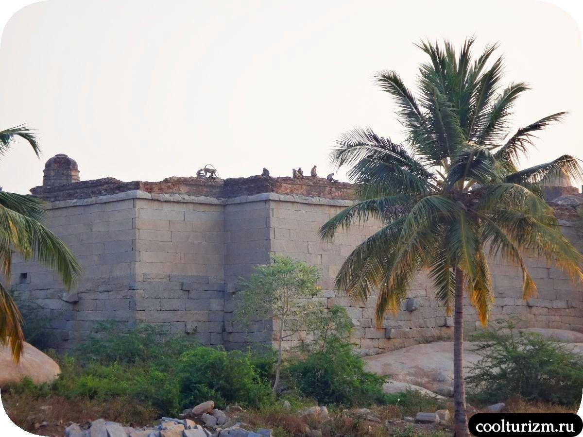 Лакшми храм Кришны в Хампи