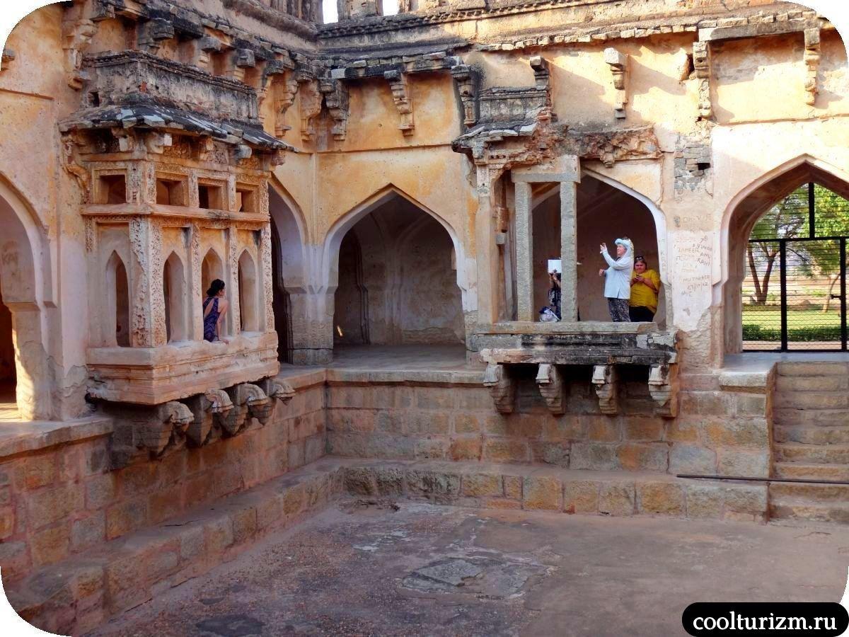 Королевская купальня в Хампи Индия Карнатака