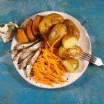 Рецепт печеной картошки с балтийской килькой