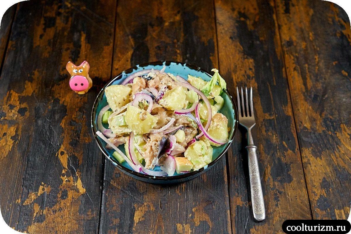 рецепт салата с картофелем и скумбрией