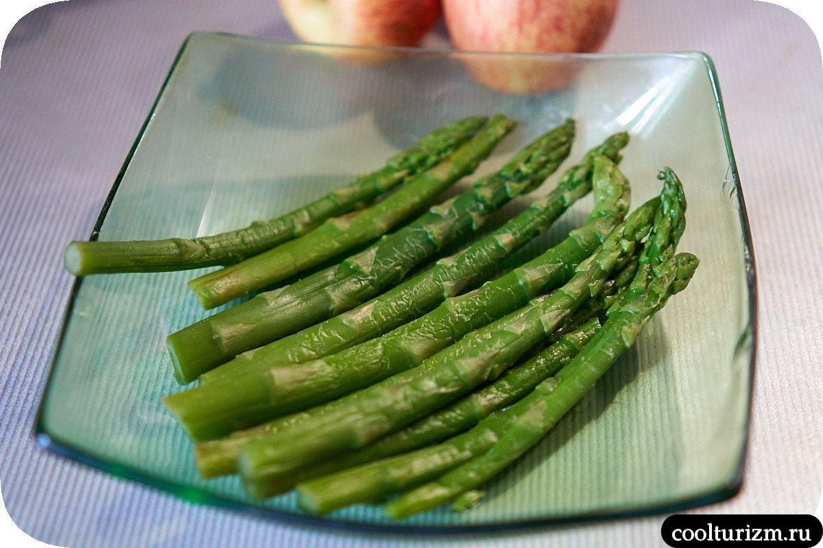 очень необычный салат со спаржей рецепт фото