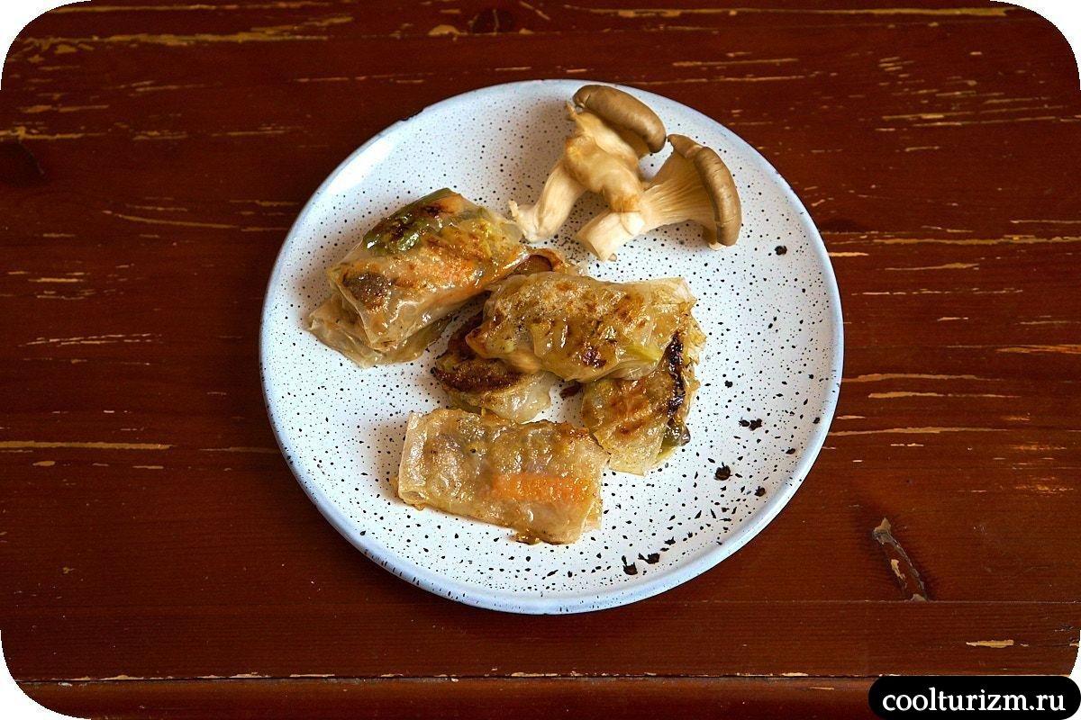 Спринг роллы из рисовой бумаги с овощами