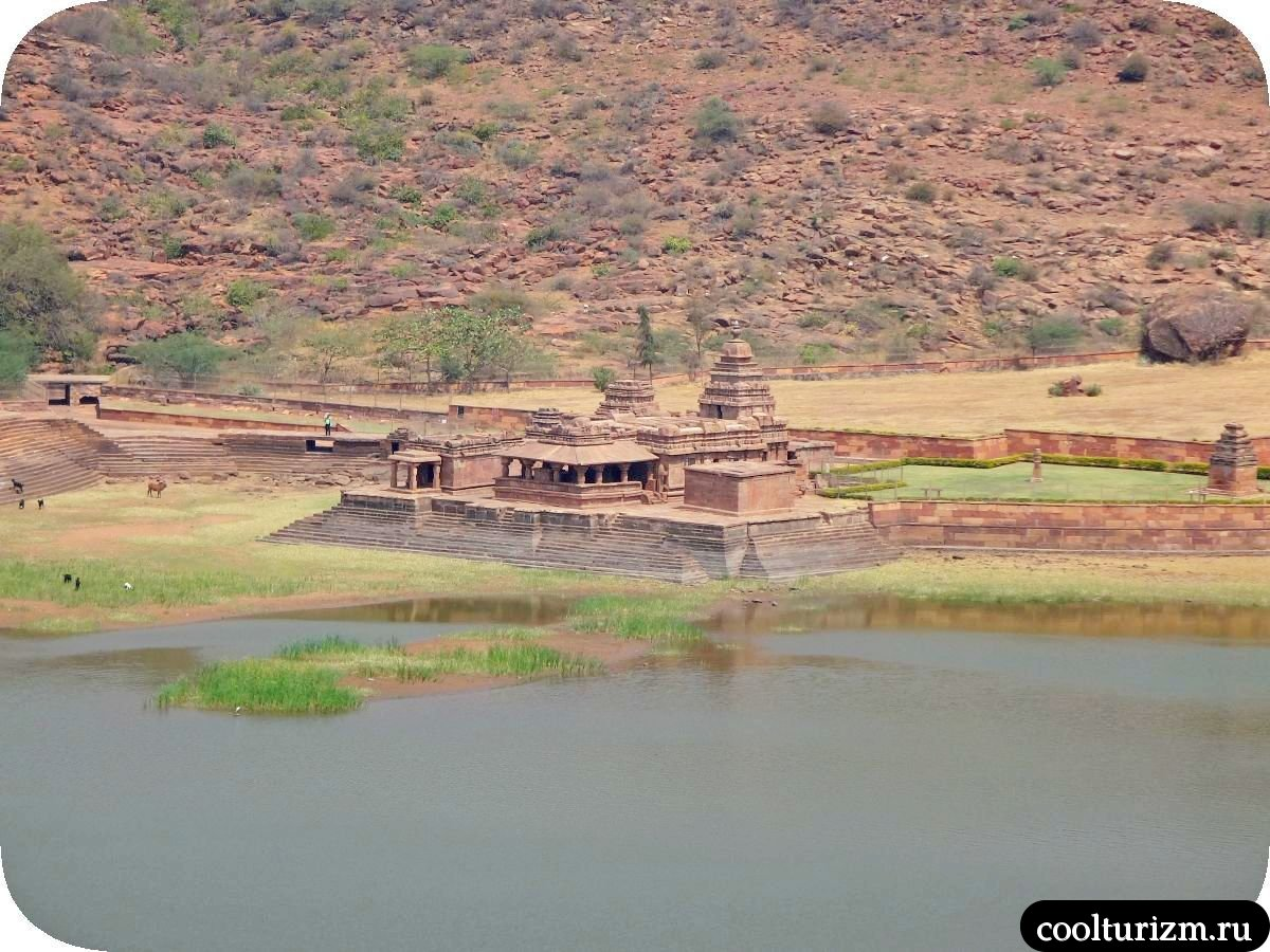 Бхутанатха храм Бадами