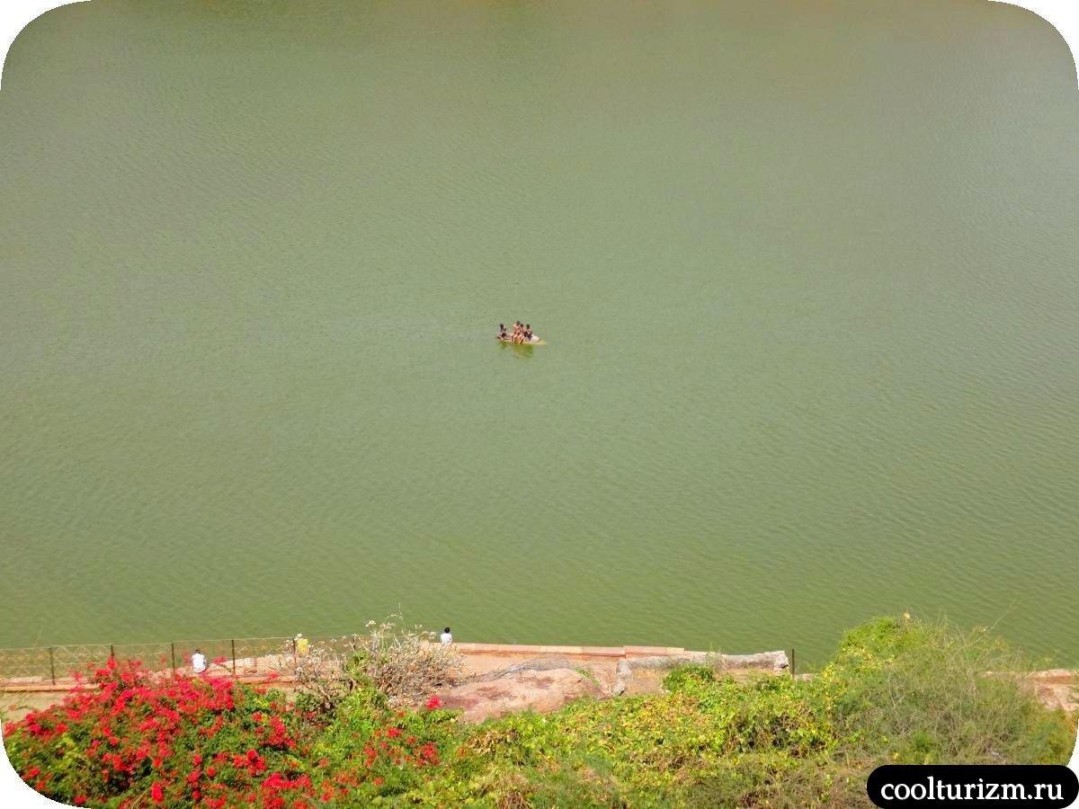 Бадами озеро Агастья окрестности