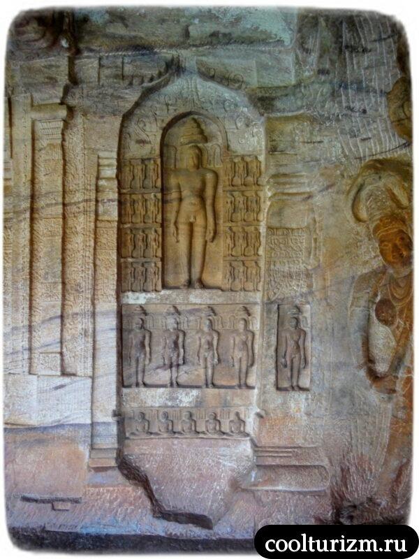 Адинатх Бадами джайны храм
