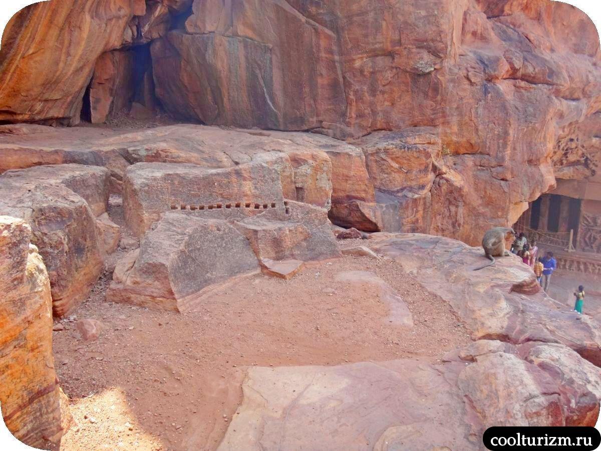 Пещерные храмы Бадами