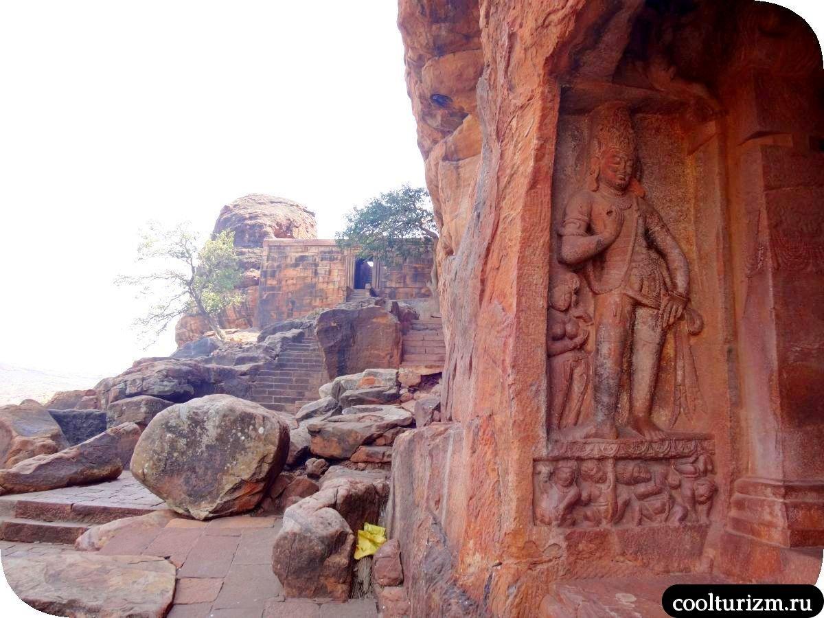 экскурсия пещерный храм Вишну в Бадами