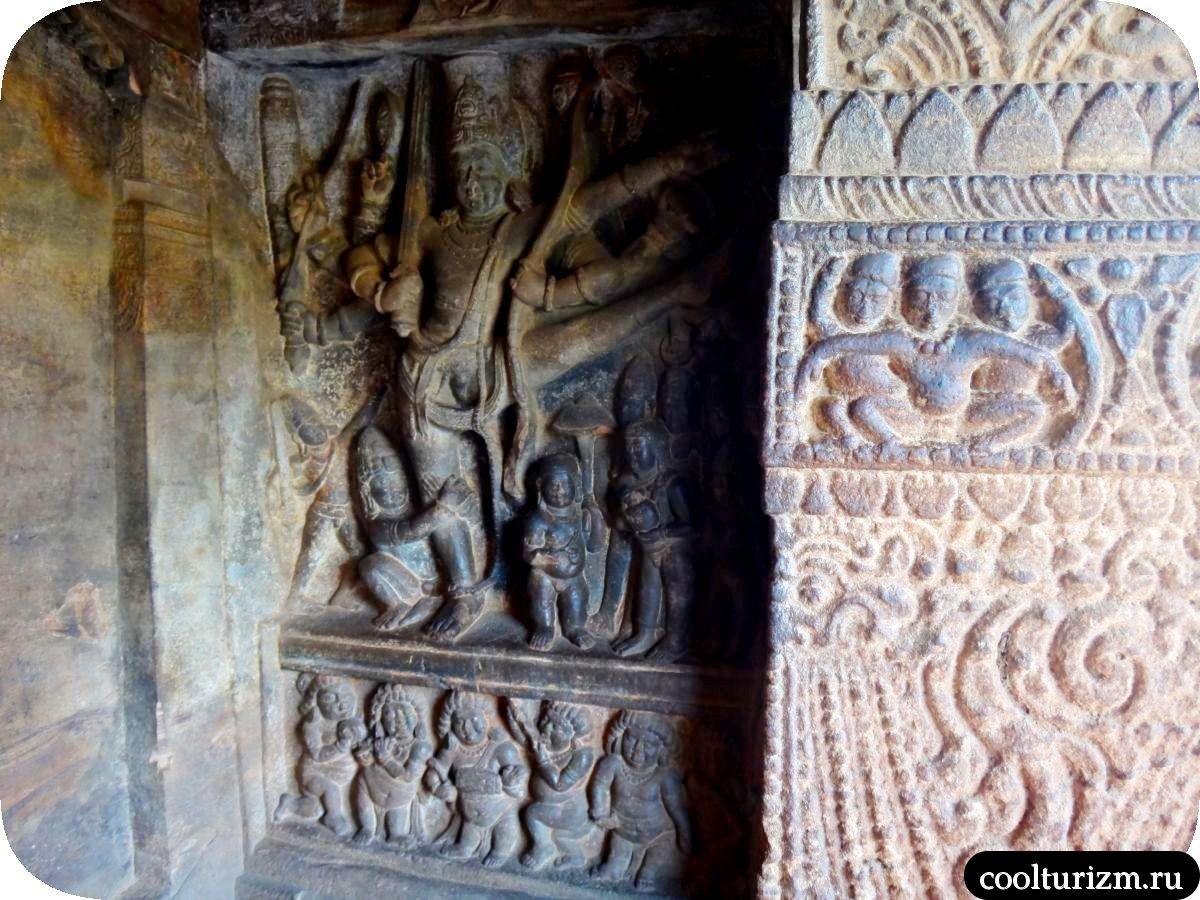 Трикварама храм Вишну в Бадами