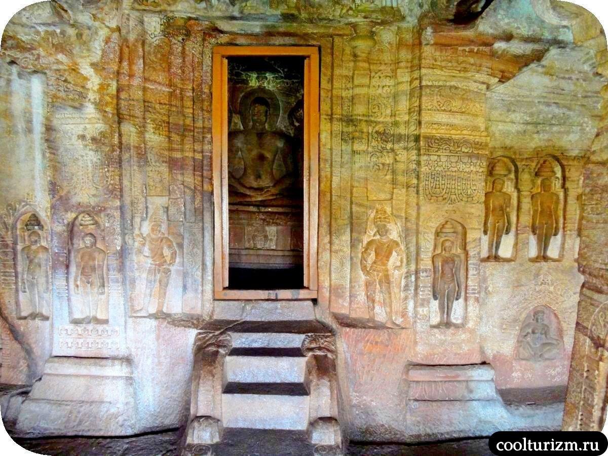 Махавира Бадами храм джайнов