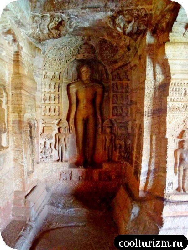барельефы храм джайнов Бадами