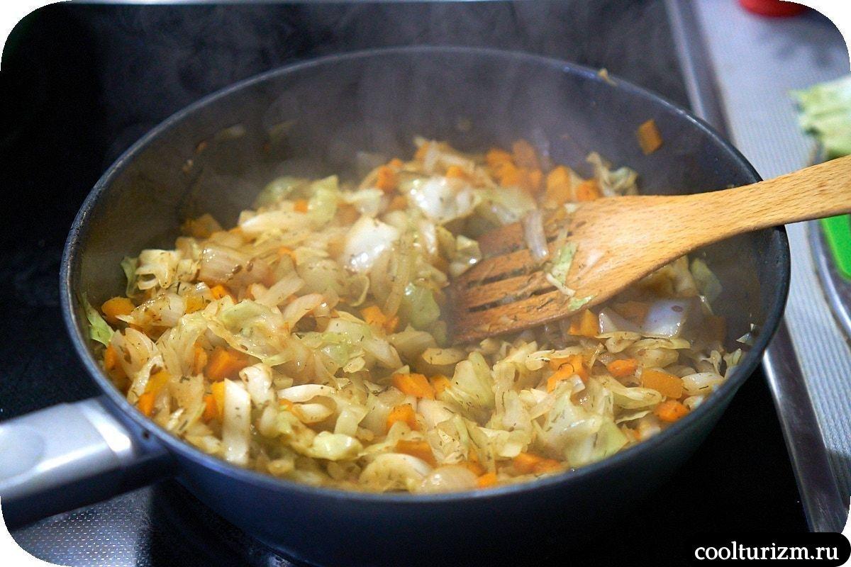 жареная квашеная капуста с сосисками как приготовить
