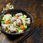 Простой и вкусный салат с куриной печенью