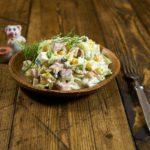Вкусный салат с ветчиной и картофелем