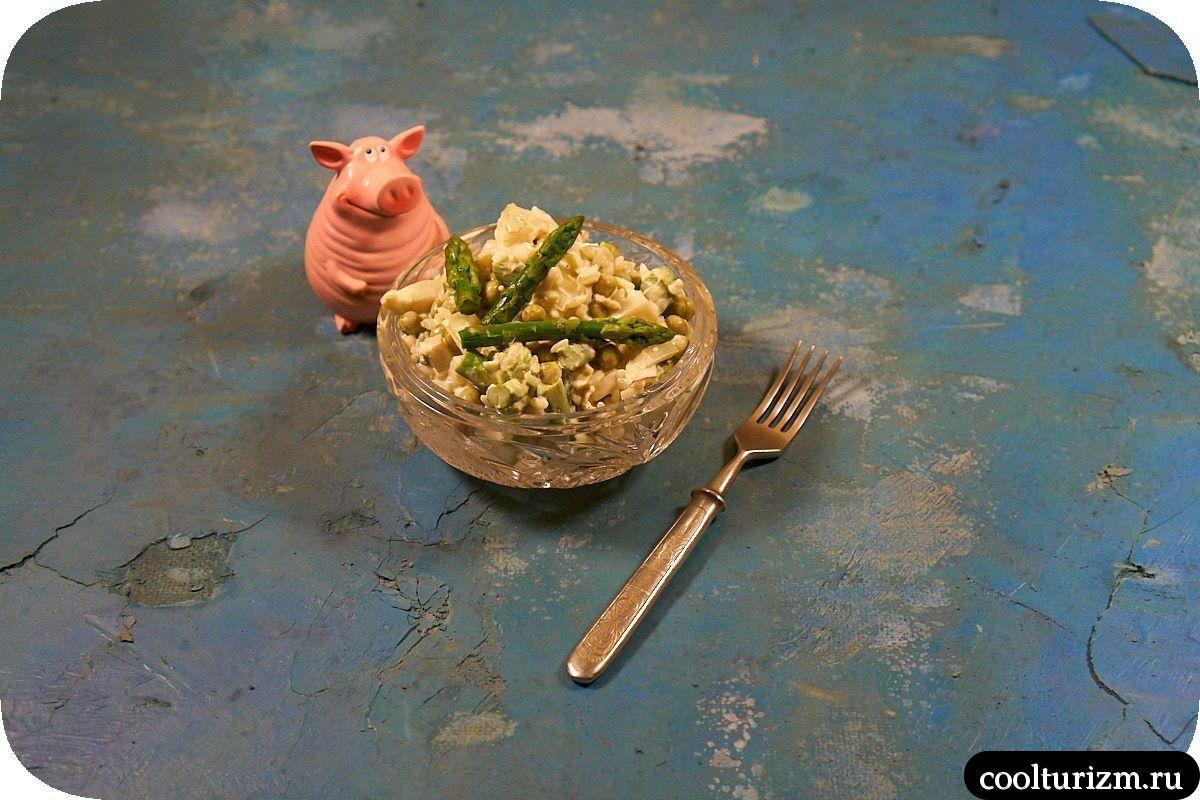 салат с кальмарами и рисом пикантный в домашних условиях