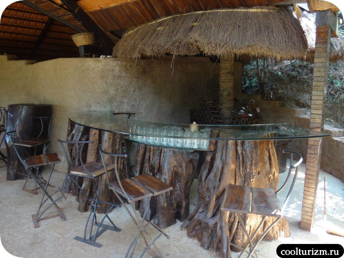 бар и туалеты бассейн Инфинити Свапнаганга Западные Гаты