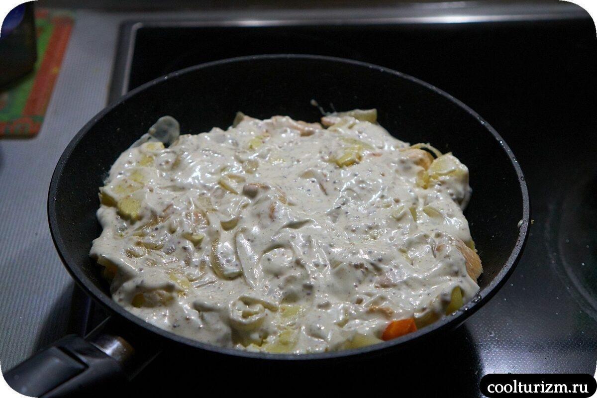 как приготовить курица с картошкой в сметанном соусе