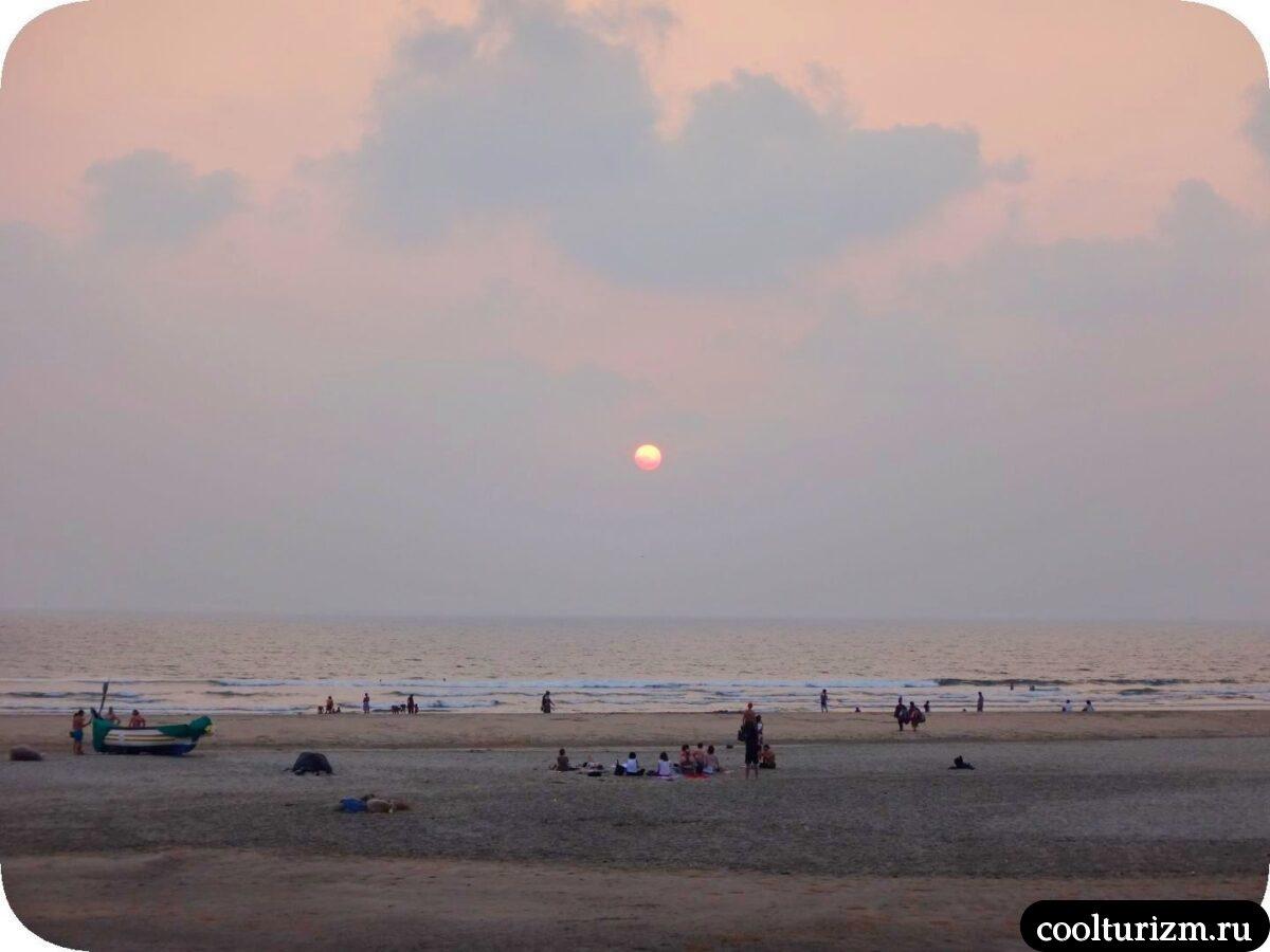 50 оттенков заката на пляже Мандрем в Гоа