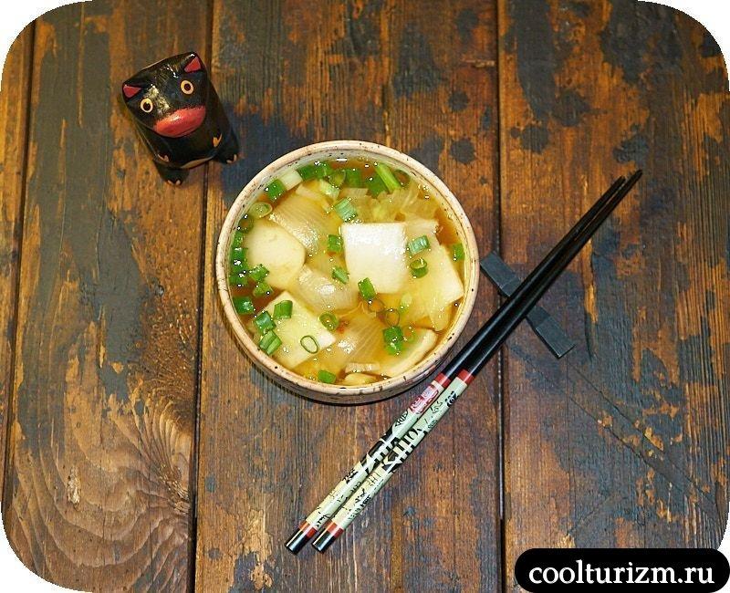 Суп с пекинской капустой и луком