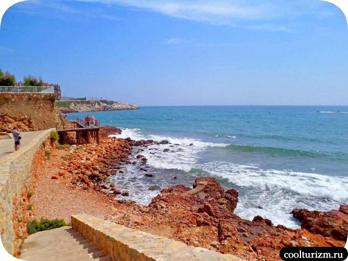 Салоу пляж дорога от Льевантес к Капелланс