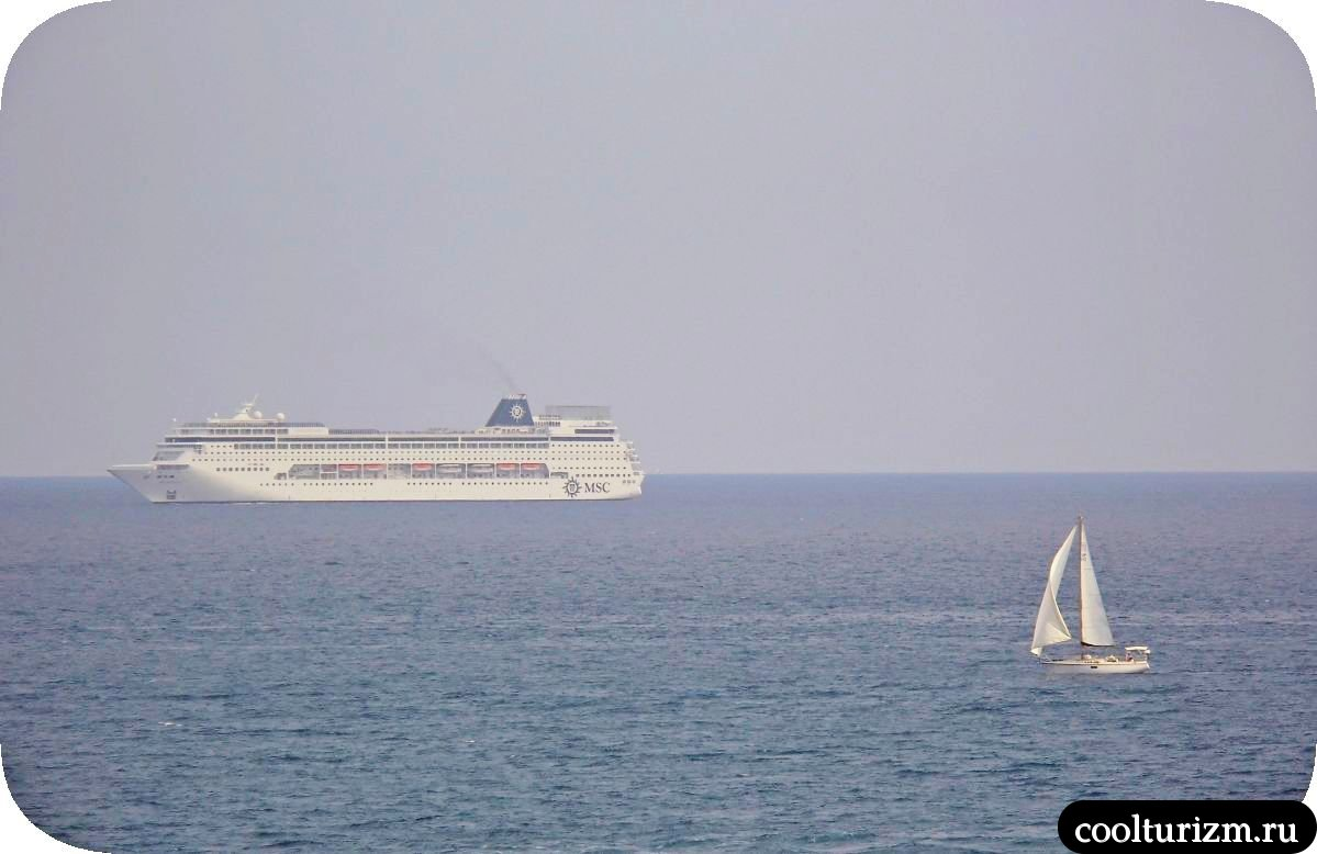 Виды на море остров Майорка яхта
