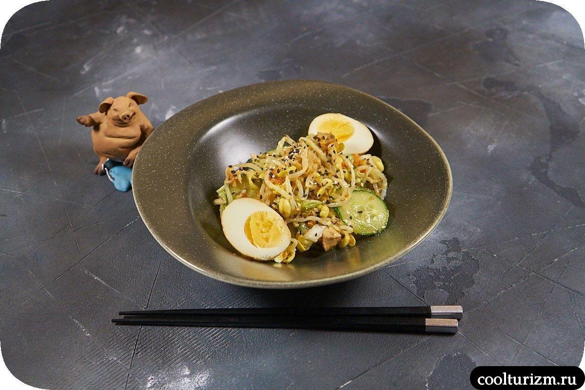 Салат с проростками и кимчи рецепт