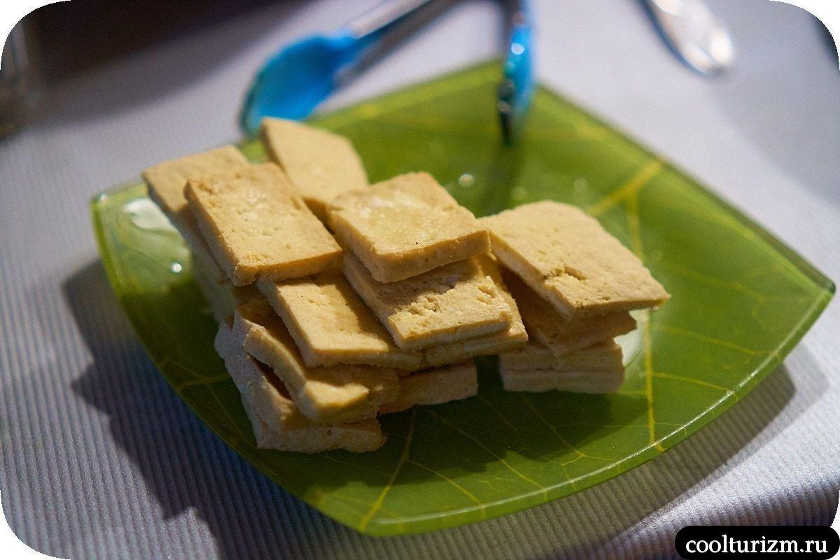 Рис с тофу и колбасками по-китайски как приготовить