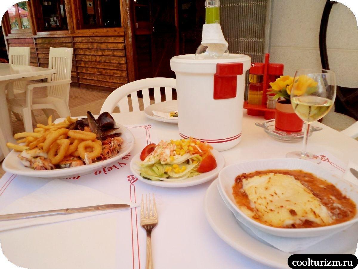 Уличная еда в Салоу Испания ель пирато вьехо