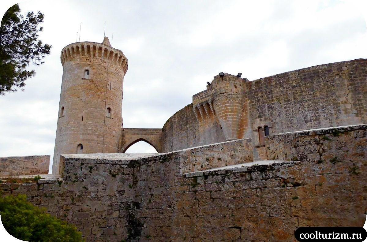 Замок Бельвер в Пальма де Майорка