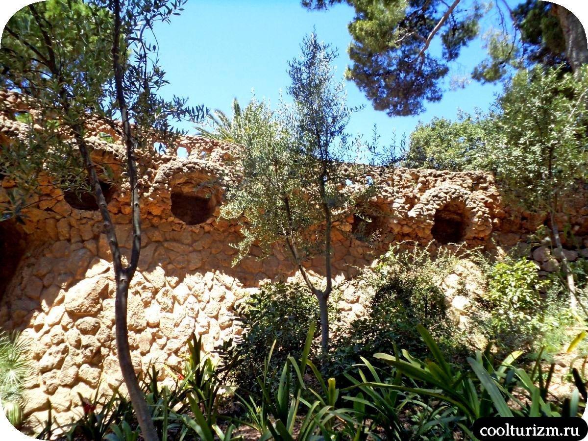 Парк Гуэль в Барселоне ласточкины гнезда