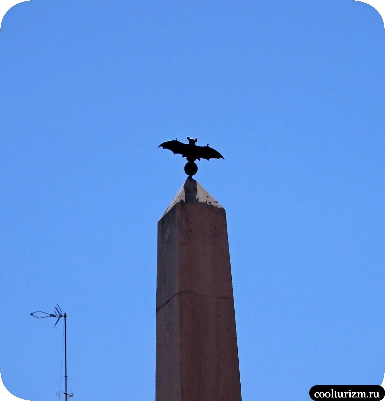 Пальма де Майорка фонтан черепах летучая мышь