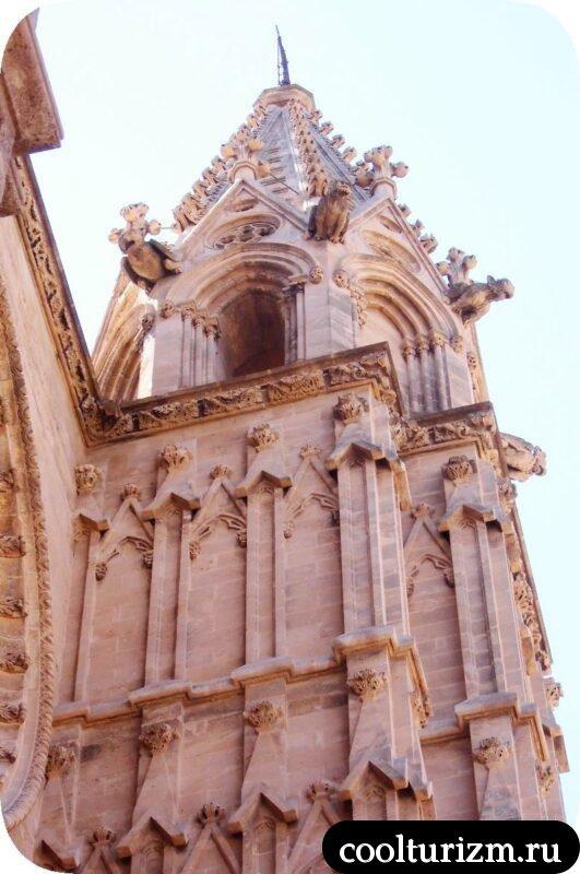 Горгульи Пальмского собора